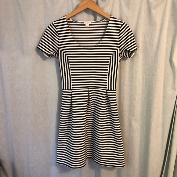 J. Crew Dresses & Skirts - J. Crew Striped Scoop Neck Dress